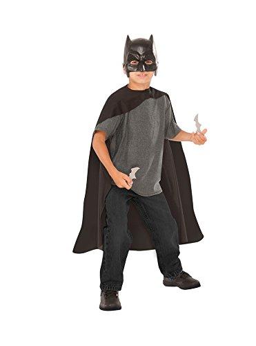 Batman v Superman: Dawn of Justice Batman Cape and Mask with Batarangs ()