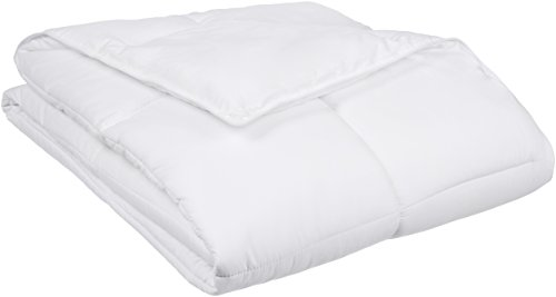 AmazonBasics Down Alternative Comforter