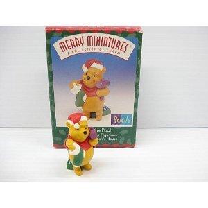 Hallmark Winnie the Pooh Christmas at Poohs House Merry Miniature