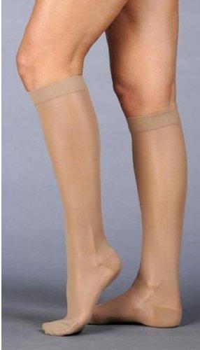 Juzo Naturally Sheer Compression Knee High Short Closed Toe 20 – 30 mmHg、III、ベージュby Juzo   B013XRHZKE