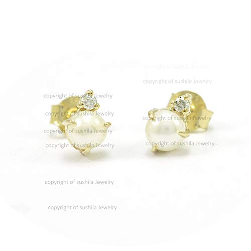 Pearl & Diamond Stud Earrings in 14k Yellow Gold