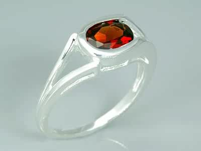 1.50 Carats Oval Shape Genuine Garnet Sterling Silver Rhodium Nickel Finish Ring