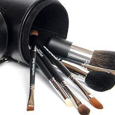 Younique Kosmetikpinsel-Set mit Etui und Anspitzer