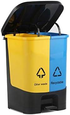 Papelera de reciclaje plástica amarilla amarilla del cubo de la ...