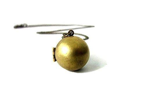 Vintage Locket necklace Ball in Antique style Gold Brass Sphere (Antique Gold Locket)