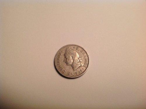 Dominican Republic One Single 5 Centavos 5 Gramos Copper Nickel Coin Dated 1961.