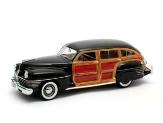 Matrix Scale Models Chrysler Town & Country Wagon (1942) Resin Model Car