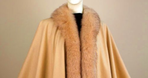 Cashmere Cape with Fox Fur trimming from Cashmere Pashmina Group (Camel)