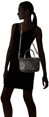 e85c1e0a9725 Amazon.com  Marc by Marc Jacobs Too Hot To Small Top Handle Bag ...