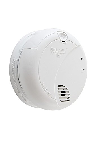 First Alert 7010BFF-6 Smoke Alarm with Photoelectric Sensor and Battery Backup (6 Pack), White