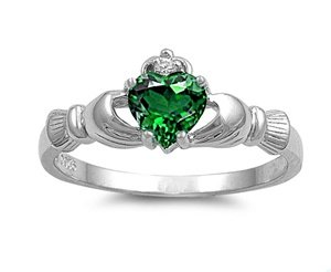 Wellingsale Ladies 925 Sterling Silver Polished Rhodium Simulated May Emerald Color Heart CZ Irish Celtic Claddagh Ring, AAA Grade Highest Quality - Size 7
