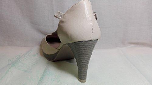 Zapatos de tacon en piel beige-AGA SHU-talla 40