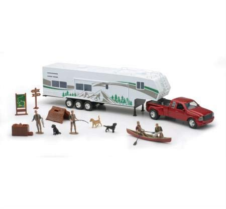 New Ray Toys 1/32 Fifth Wheel Camping Set w/ Outdoor Activities and Miniatures (Toy 5th Wheel Camper)