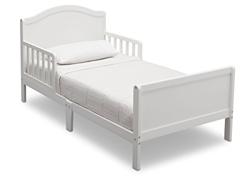 Delta Children Bennett Toddler Bed