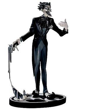 Batman Black & White Statue: The Joker: Jim (Based Helmet Logo Display Case)