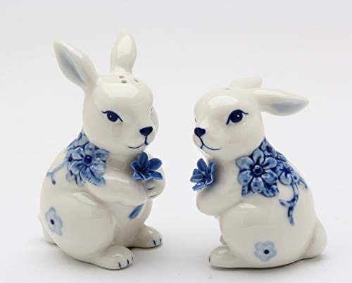 (Fine Ceramic Hand Painted Classic Dutch Blue and White Bunny Rabbit Holding Blue Flowers Salt & Pepper Shakers Set, 3-3/8
