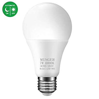 Dusk to Dawn Lights Bulb, Minger 7W Smart Automatic LED Bulb with Auto on/Off, Indoor/Outdoor Lighting Lamp for Porch, Hallway, Patio, Garage (600lm,E26/E27, Cold White)