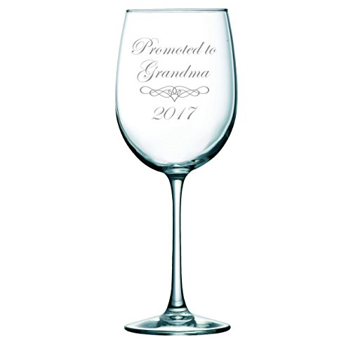 Promoted to Grandma 2017 wine glass