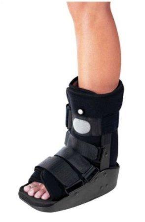 (ProCare MaxTrax Air Ankle Walker Medium)