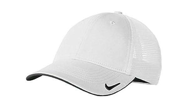 7195c61dc1fdf Amazon.com : NIKE MESH BACK CAP GOLF HAT -889302-100-M/L White ...