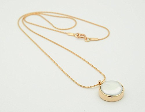Handmade Freshwater pearl Beaten gold pendant necklace