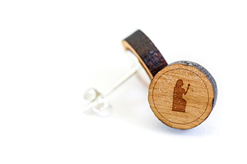 WOODEN ACCESSORIES COMPANY Wooden Stud Earrings With Cassiopeia Laser Engraved Design - Premium American Cherry Wood Hiker Earrings - 1 cm Diameter