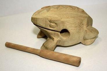 Frosch aus Holz sehr klein (ca.8cm) inkl. Schlägel Dan Moi