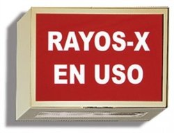 Illuminated Darkroom Sign - X-Ray In Use, Spanish by Colortrieve