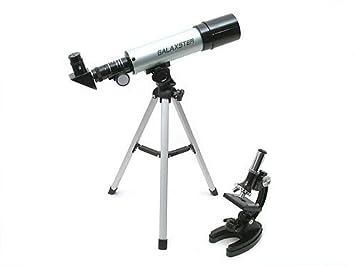 Happy beauty mädchen kinder als sailor mit teleskop auf der suche