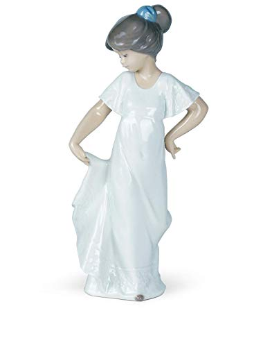 - NAO How Pretty! Porcelain Figurine