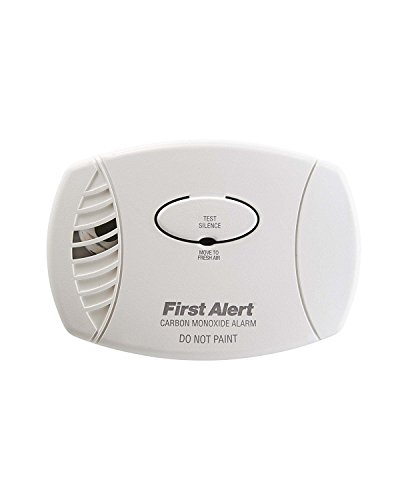 First Alert CO605 Carbon Monoxide Plug-In Alarm with Battery (Co2 Alarm)
