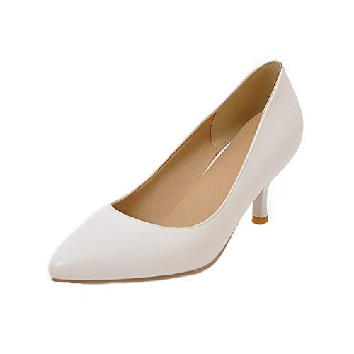 Allhqfashion Dames Solid Pu Kitten-hakken Pull-on Closed-toe Pumps-schoenen Zwart