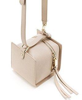 borsa tracolla mini cubo Elisabetta Franchi eco pelle rosa cipria chiusura con doppia zip dorata e rivetto logo oro- misura 13x13x13