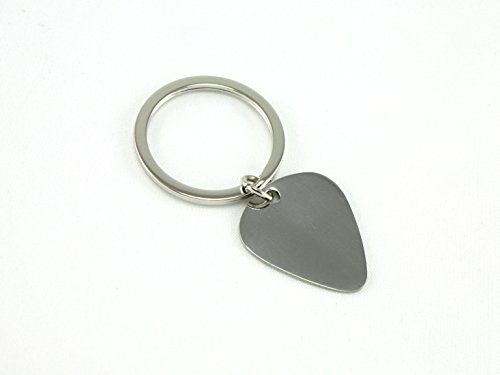 skyway-guitar-pick-key-chain-silver-engravable-keychain