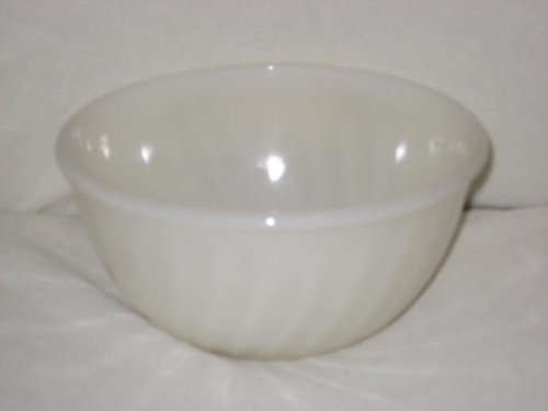 Vintage 1950's Fire King Ivory Swirl Mixing Batter Bowl - 9x5 Inch ()