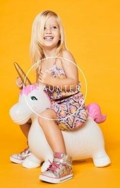 SunnyLIFE Kid's Hopper Ball - Bouncy Inflatable Children's Toy - Unicorn White