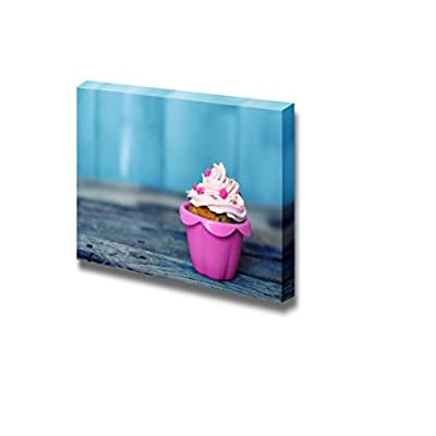 Canvas Prints Wall Art - Cute Pink Cupcake | Modern Wall Decor/Home Art Stretched Gallery Canvas Wraps Giclee Print & Ready to Hang - 24
