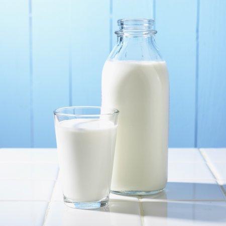 Augason Farms Morning Moo's Low Fat Milk Alternative Certified Gluten Free Emergency Bulk Food Storage 4-Gallon Pail 533 Servings by Augason Farms (Image #3)