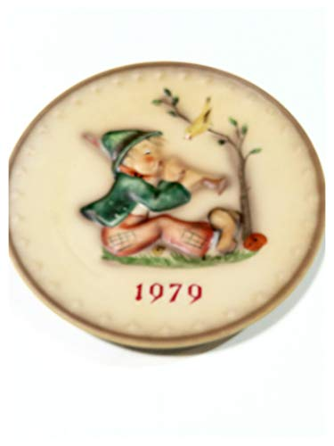 Hummel 1979 Annual Collectors Plate in Bas Relief