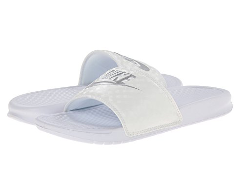 (ナイキ) NIKE レディースサンダル?靴 Benassi JDI Slide White-Metallic Silver 12 (29cm) B - Medium