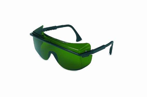 (Honeywell S2508 Uvex Astro OTG 3001 Shade Rated Welding Lenses, Standard, Black with Green Lens )
