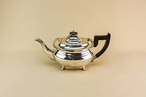 Vintage Classical Gift TEAPOT Gadrooned Viners Traditional Silver Plated Metal Large Bombe English Mid 20th Century LS (Golden Menu Bee)