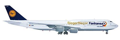 daron-herpa-lufthansa-747-8-fanhansa-vehicle-1-200-scale