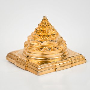 BuyRudraksha Mixture Of Copper, Zinc, Nickel, Almunium, Lead, Iron, Magnese And Magnesium 'Shree Yantra 8 Metals And Gold Polished'-(Golden) / Astha Dhatu Shree Yantra (Shree Yantra Copper)