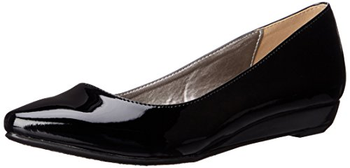 Image of CL by Chinese Laundry Women's Suzie Pointed Toe Flat