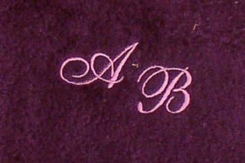 Toalla de 30 x 30 cm Nueva York lila con iniciales, bordado/bordado con