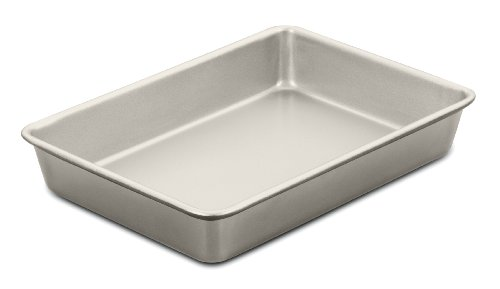 Cuisinart AMB-139CPCH 13 by 9-Inch Chef's Classic Nonstick Bakeware Cake Pan, Champagne