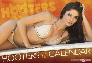 hooters-2016-calendar-the-hottest-girls