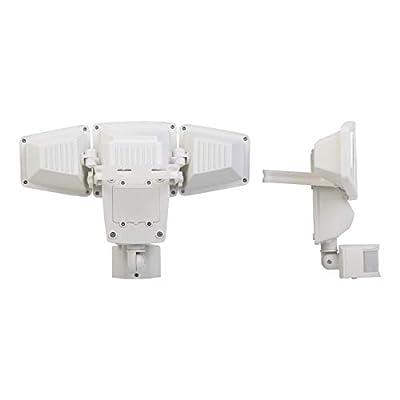 Sunforce 82183 - 180 LED Solar Motion Light, triple head, 1200 Lumens