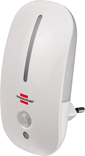 Brennenstuhl – Luz nocturna led/luz de orientación suave con detector de movimiento por infrarrojos y sensor crepuscular para enchufe (con interruptor), color blanco